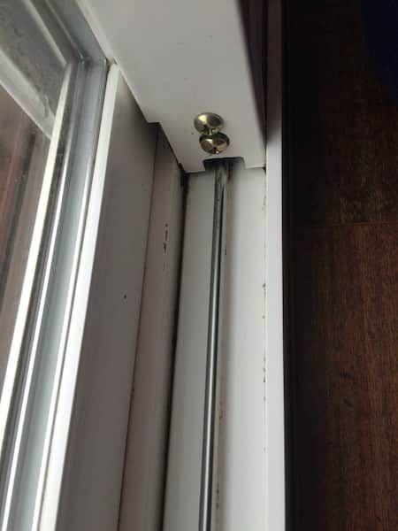 Voici l'astuce facile pour nettoyer les rails de fenêtre.
