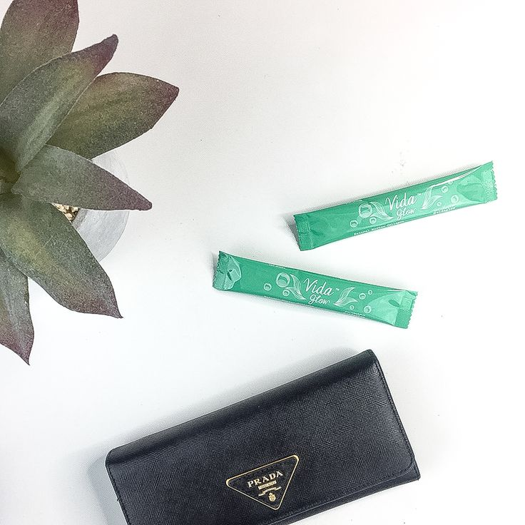 Our sachets are super convenient and easy to carry with you when you're out & about. Simply throw your daily intake of Vida Glow into your bag or wallet! Perfect for when you're at a cafe or having lunch to stir into your coffee ☕️️ or sprinkle on your food! ✔️️ .