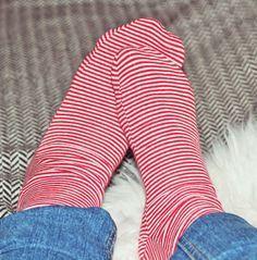 Schon lange hatte ich vor, Socken selber zu nähen. Leider konnte ich erst nur…