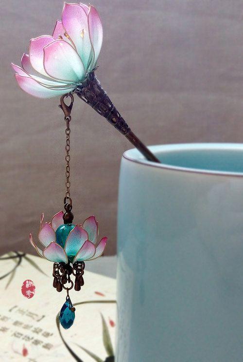 Oriental Vintage style purple water lily/Lotus lamp pendant hair stick /hair comb/ Bridal headpieces/ wedding / Kanzashi/hair clip/hair fork