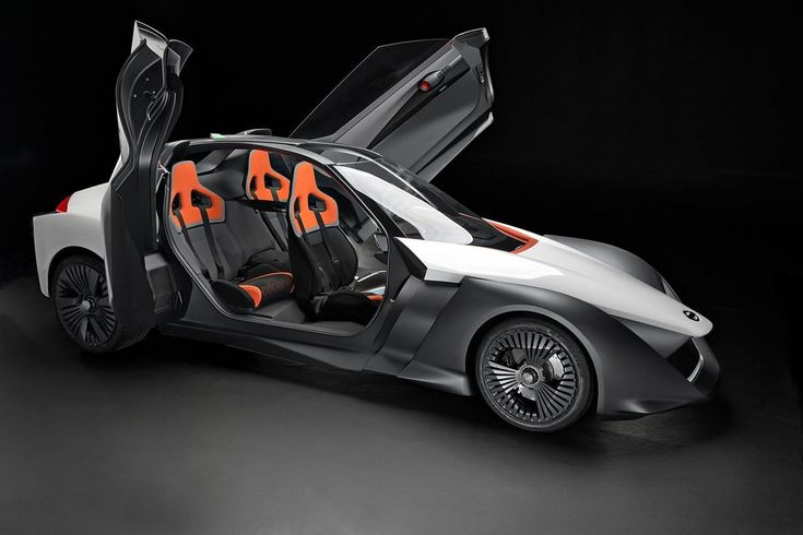 日産自動車がオリンピック開幕直前のリオ・デ・ジャネイロで、三角翼形状のEV試作車「Blade Glider」を公開しました。ウィリアムズF1チームのグループ企業Williams Advanced Engineeringが技術的にバックアップしています。なおWilliams Advanced Engine