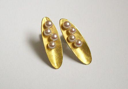 Akoya Earrings 18ct gold, Akoya pearls ~ Kayo Saito