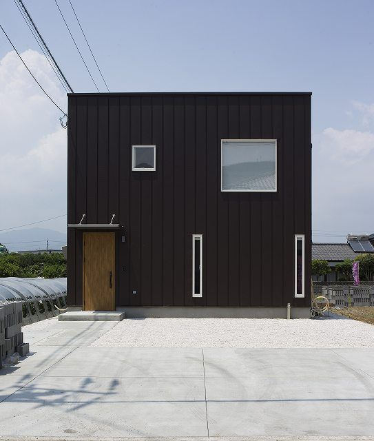 サッシの色に悩む 黒 白 House 家 外壁 色 黒い家 サッシ