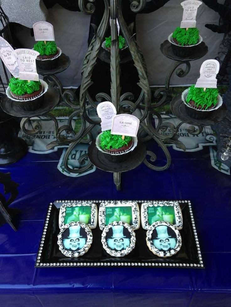17 best images about haunted mansion party on pinterest for Haunted mansion ideas