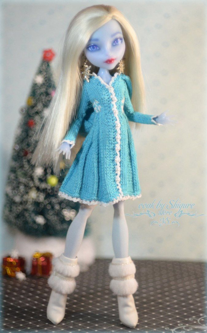 Knitting Patterns For Monster High Dolls : 520 best Knitted Fashion Doll Clothes images on Pinterest Fashion dolls, Do...