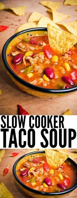 Taco Soup é um favorito. Eu colocá-lo na panela de barro cedo e nós arrebentar a ele o dia todo. Se os amigos aparecem, esta receita faz um monte de fogão lento taco sopa! by Divonsir Borges