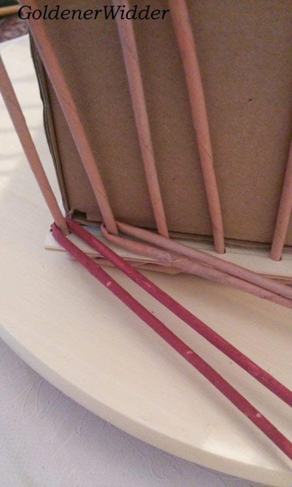 """Плетение из газетных трубочек: Узор """"Крупный ромб"""" , состоит из 3 различных видов плетения. Узор рассчитан на стоечки кратные 4. Декоративный элемент. Ситцевое плетение с накидом. """"Крестики"""". Корзина прямоугольная."""