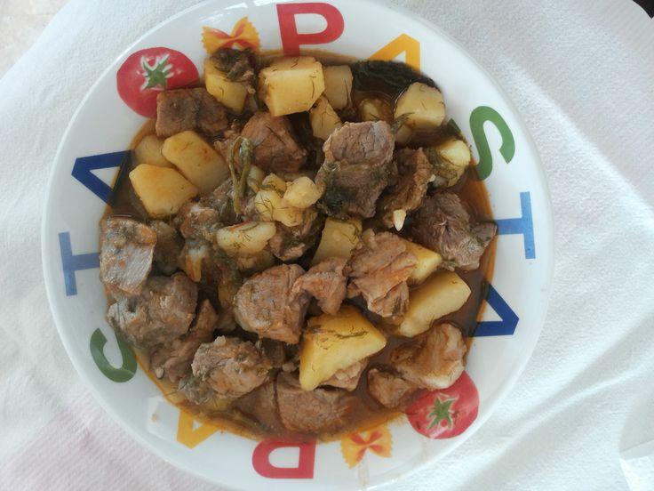 #stufato di maiale #patate #aneto #salsa di pomodori #olio extravergine di oliva