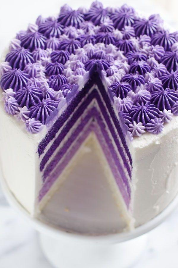 ausgefallene torten lila weiß design elegant stilvoll (Birthday Cake)