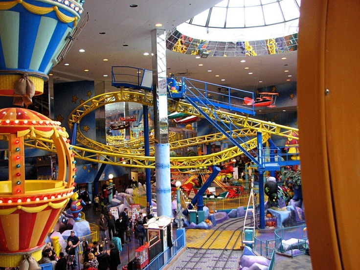 Visited the West Edmonton Mall, the largest indoor mall in the world, bigger than Mall of America. This from Galaxyland, world's largest indoor amusement park, in the mall. Along with World Waterpark, and a casino, driving range, bowling alley, hotels, and oh I think some stores and restaurants.