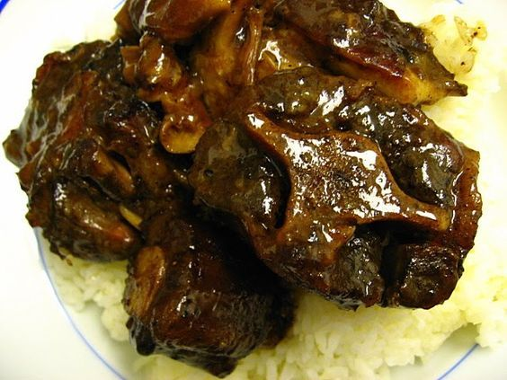Fresh Local and Best: Chinese Braised Oxtail Stew Recipe (DH's version: use dried orange peel instead of lemon grass. no Thai elements. Chinese 5 spice powder, & can of tomato sauce and water instead of broth. Cook in slow cooker)