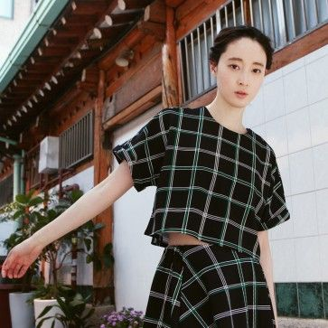 [Joy Check Set] A set of #croptop and #skirt featuring a squared pattern. Back zipper placket. Elasticized waist. Asymmetry hemline. #checkdress #koreandress #asiandress
