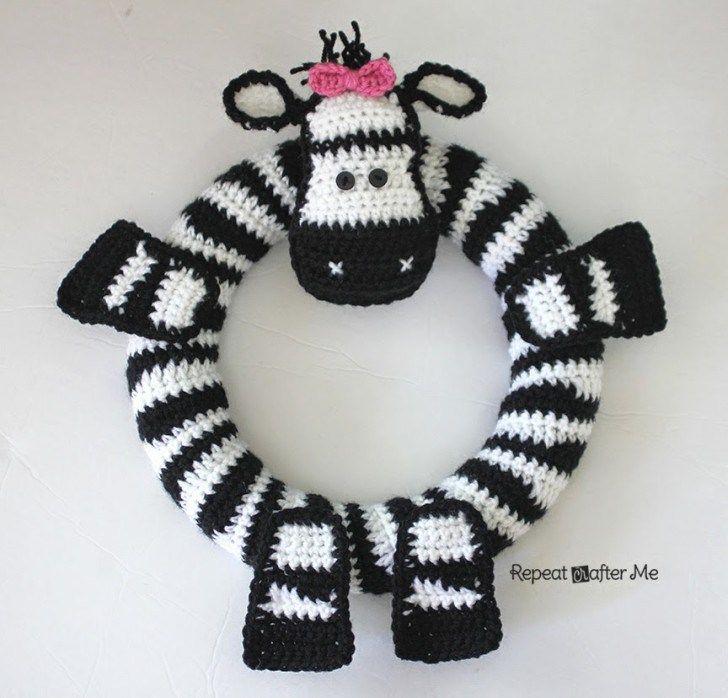 Crochet Zebra Wreath - See the video I pinned about making zebra stripes
