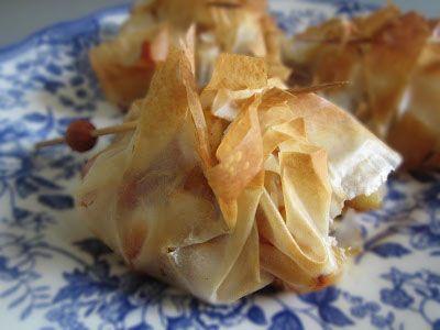 Saquitos de pasta filo con pollo y pimientos