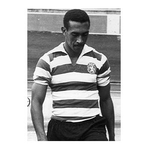 OSVALDO SILVA. a great brasilian player. He demolished Man United team in 1964, when we beat them with a massive score: 5-0