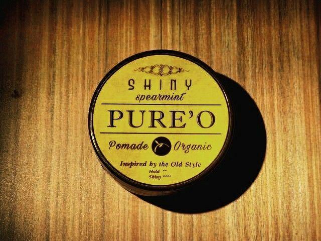 PURE'O ORGANIC POMADE (SHINY)  Aroma Peppermint dipadu dengan Menthol Crystal yang memberikan efek segar dan dingin di kepala, akan membuat rambut segar setiap saat, cocok buat yang berada di daerah tropis yg panas. . >>Grab it fast only 70k!<< . - Hold 1.5/5 Shine 4/5 - Netto 100 gram - Klimis tinggi Kaku rendah - Free sisir saku  Order? SMS & WA : 082120040003 Bbm : 7EBCCCF9 Line : @pureopomade Fb : Pureo Pomade