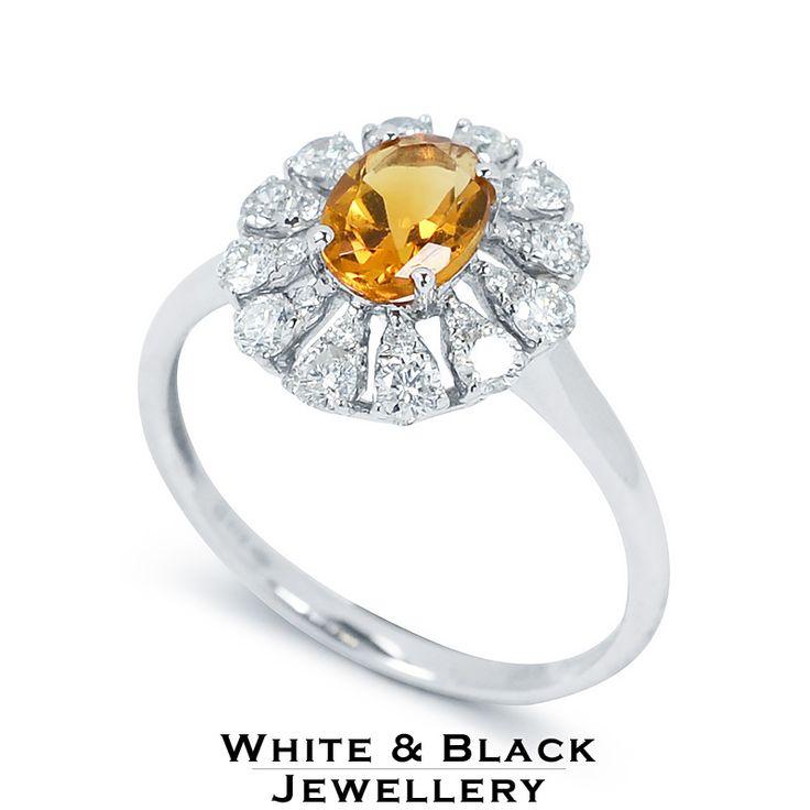 Precious diamond ring with yellow citrine - Gyémánt gyűrű sárga citrin drágakővel