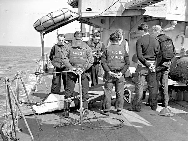 Royal Canadain Navy - Canada at War