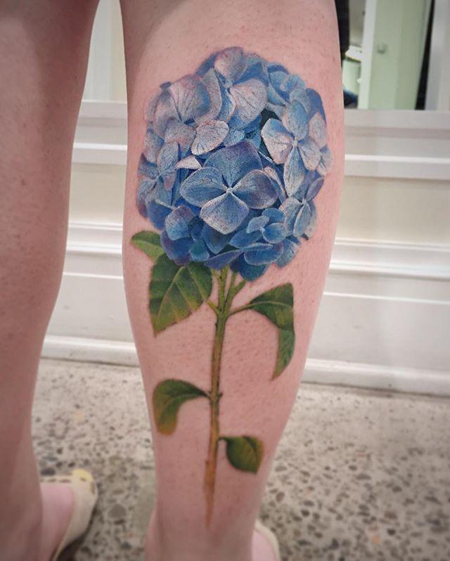 Hydrangea flower. . #chronicinktattoo #asiantattoos #realismtattoo #tattooculturemagazine #inkedmag #tattoosnob #tattoolifemagazine #supportgoodtattooing #TAOT #prophetsandpoets #tattooflash #tattoo_artwork #stencilstuff #inkedanimals #uktta #amazingtattoos #sullentv #sullenart #inkedmag #thebesttattooartists #irezumicollective #txttoo #neotraditionaltattooers #neotradeu