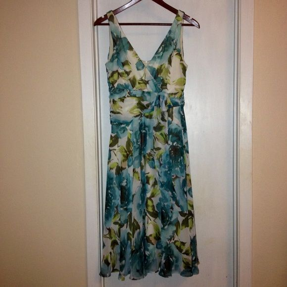 Pretty Floral Spring Dress!!! Pretty flower print dress... Perfect for Spring!!! Limited Dresses