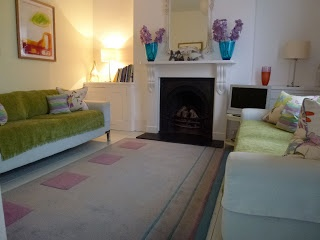dartmouth selfcatering: Spring has Sprung with our first late deal!!!