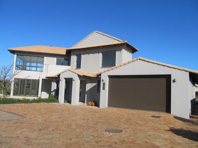 R5,395,000  3 BEDROOM HOUSE FOR SALE IN LANGEBAAN COUNTRY ESTATE Bedrooms	3 Bathrooms	3 Garages	2