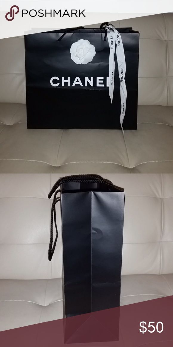 CHANEL shopping bag Medium size 14 x 12.5 x 4.75 CHANEL Bags
