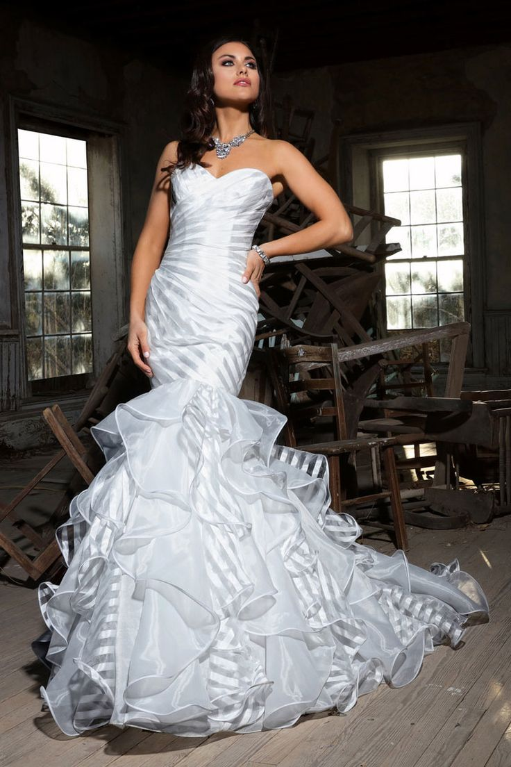 Cristiano Lucci Wedding Dress Lupe