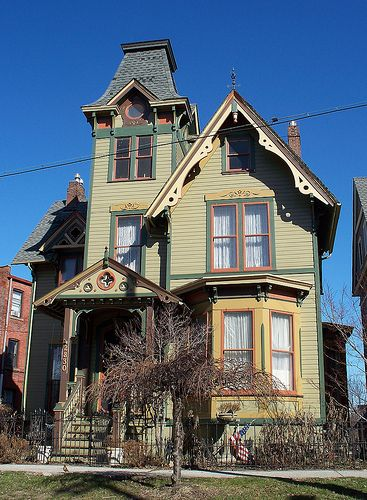 OH Cleveland - House 2.. i use to go past this house when i was a kid. Wow.