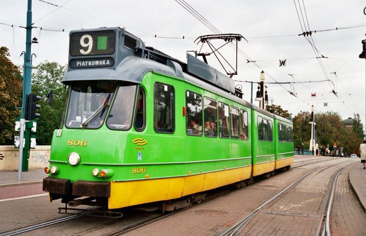 Amsterdam 3G tram after 40 years of service, used in Poznan, Poland (2004)