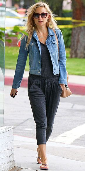 Kate Hudson has cute casual style with great neutral thong sandals...