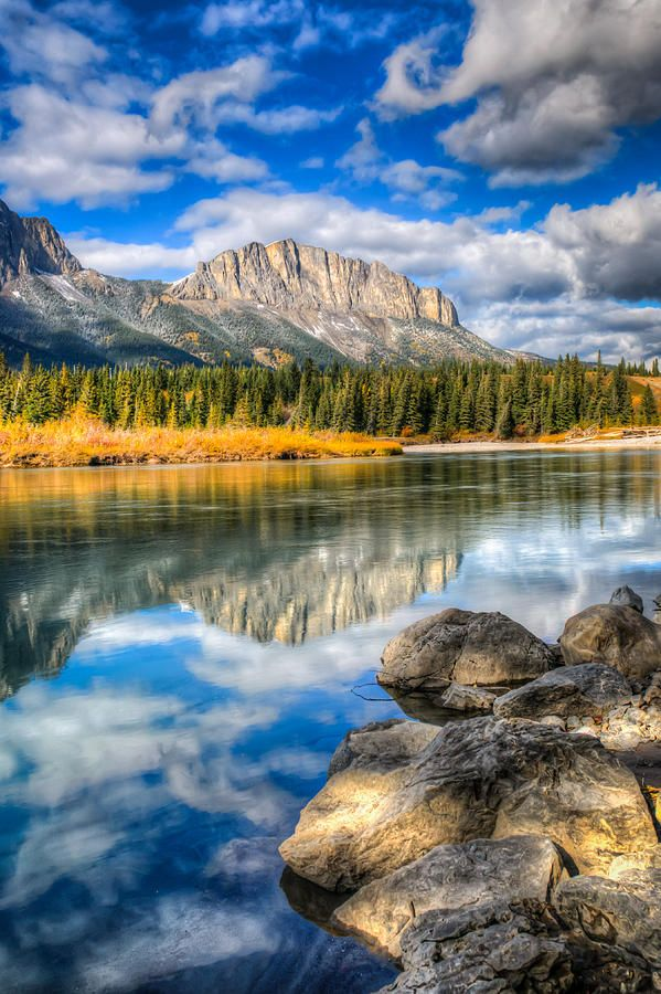 ✯ Scenic Mount John Laurie - Kananaskis Country - Alberta, Canada