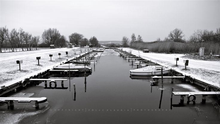 Pölcz Klaudia - kisklau: Fekete-fehér Fertő tó