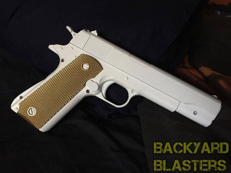 What a clean paintjob! Our Colt 1911 really can shine!  Visit backyardblasters.com and use code  J10 to get 10% off any order before the end of July 👏🏻 #toys #custom #cosplay #props #locknload #backyardblasters #colt1911 #batman #costume #cosplay #cosplaying #dccosplay #dc #dccomics #guns #gunprop #harleyquinn #jaredleto #joker #jokercosplay #pistol #sdcc #suicidesquad #toygun #etsy #justiceleague #comicbooks #dcvillains #dcuniverse #thejokercosplay #jokergun