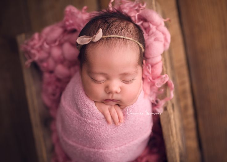 rose pink curly handspun hand dyed blanket  layer photography photo props newborn woolanddreams wool chunky bed