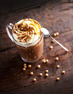 Callebaut - Gorąca Czekolada z chrupiącym karmelem - http://www.callebaut.com/plpl/receptury/czekoladowe-drinki/goraca-czekolada-z-chrupiacym-karmelem  #callebaut #chocolate #czekolada #slonykarmel