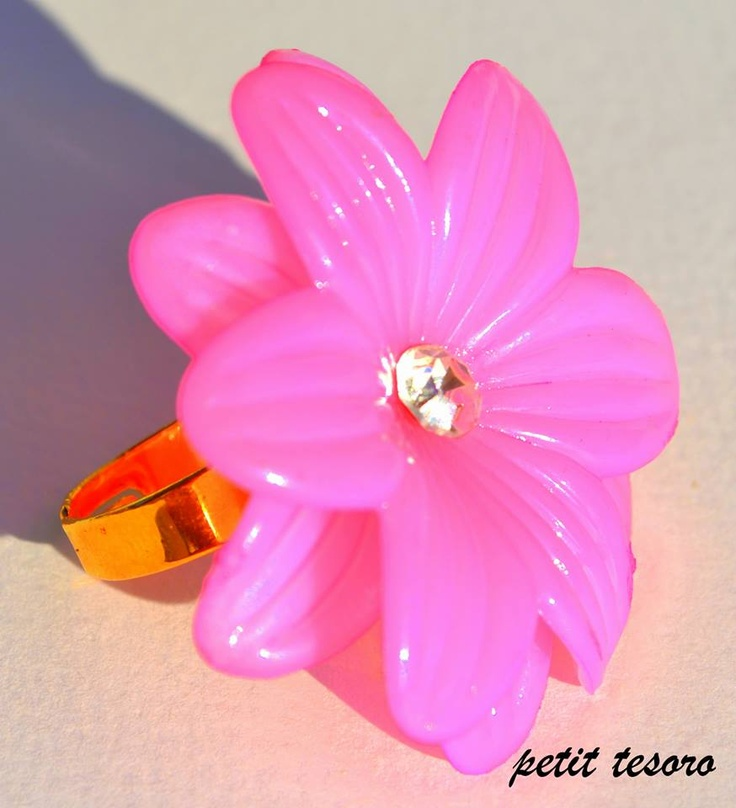 This ring makes you happy!Flowers for ever! 3>