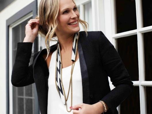 Gia NecklaceLove Fiona Paxton, Paxton Necklaces, Diy Necklaces, Molly Wear, Gia Necklaces, Style Accessories, Pretty Necklaces, Molly Sims, Black Blazers