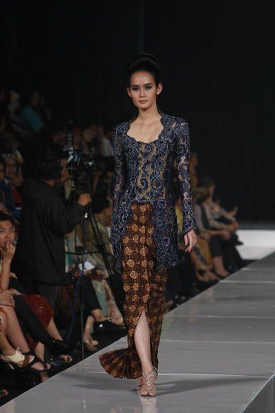 Jakarta Fashion Week 2011 | Batik