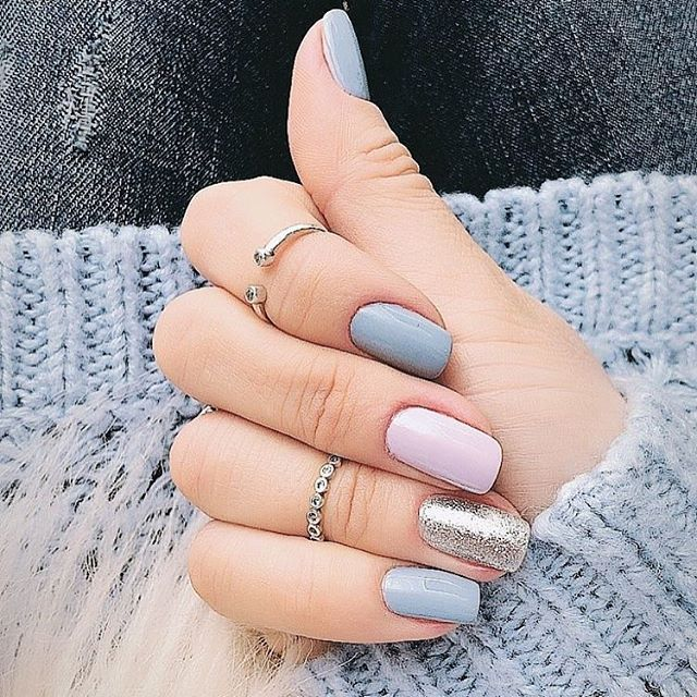 33 Pretty manicure that you can easily do - Mix and match nail polish ideas #nails #naildesigns