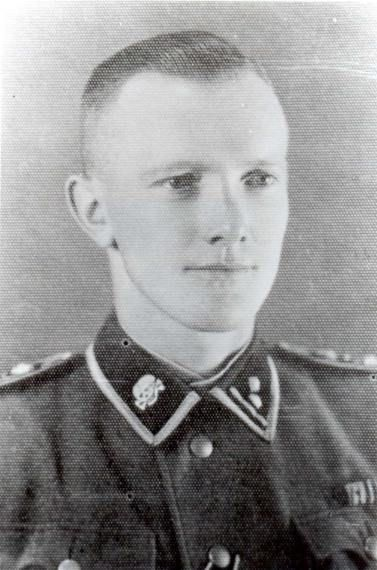 Gerhard Palitzsch SS-Hauptscharführer  1913 - ?   Rapportführer in the Stammlager   At the beginning of his career, Palitzsch served as a sentry in the concentration camps Lichtenburg, Buchenwald, and Sachsenhausen, where he was Blockführer (head of a prisoners' barrack). From Sachsenhausen he was transferred to Auschwitz, where he arrived on 20 May 1940.   1. Cont'd-