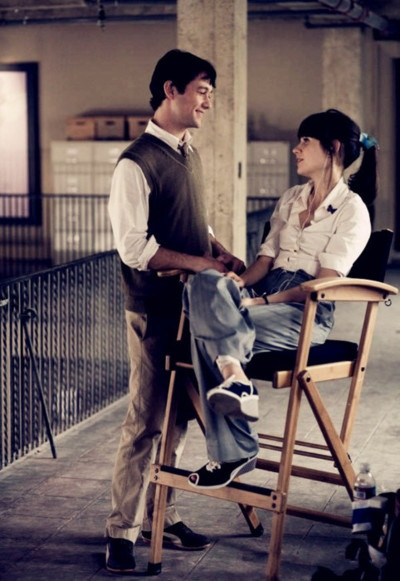 I love the way he looks at her...500 days of summer