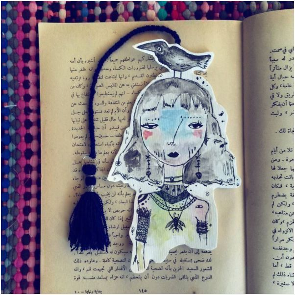 Homemade bookmark by Sabreen Haj Ahmad   Don't miss to view her delicate and impressive artwork she uses to create lovely bookmarks on instagram #sabreen_haj_ahmad