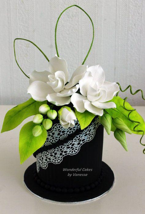 Workshop 'Gardenia on black and sweet lace' - by vanessa1982 @ CakesDecor.com - cake decorating website