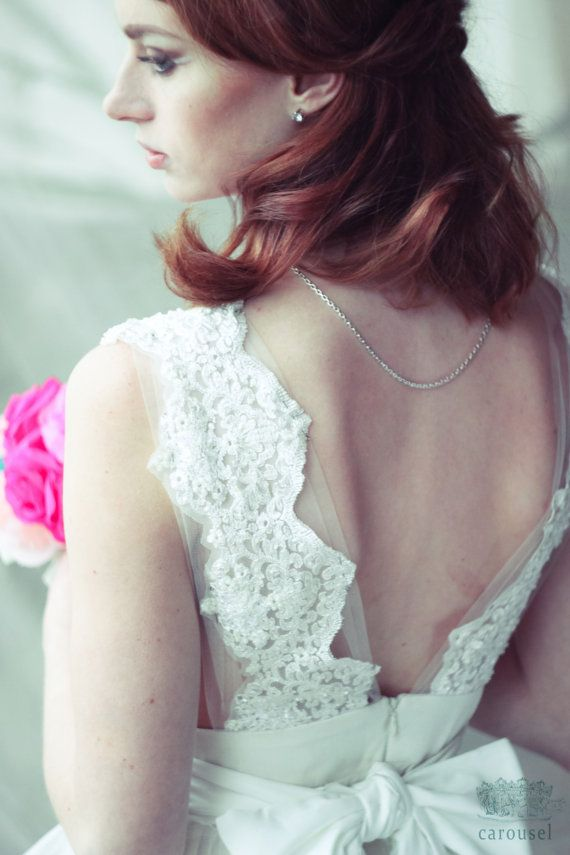 Etsy の Wedding dress // Brianne // 2 pieces by CarouselFashion
