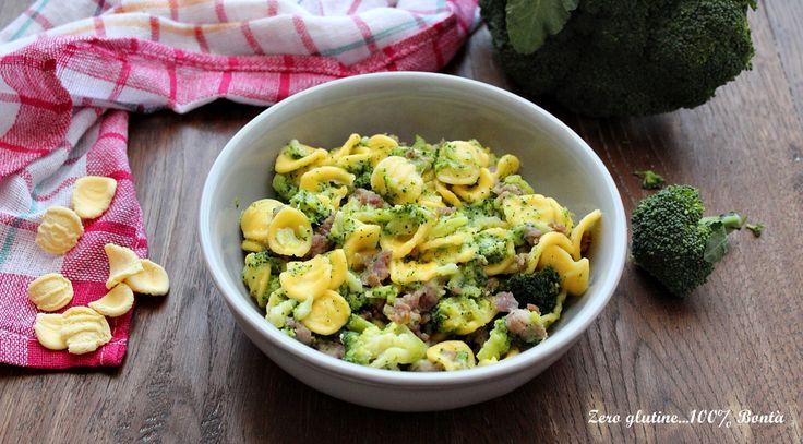 Orecchiette con broccoli e salsiccia un primo piatto gustoso e molto semplice da preparare . Perfetto da servire in ogni occasione.