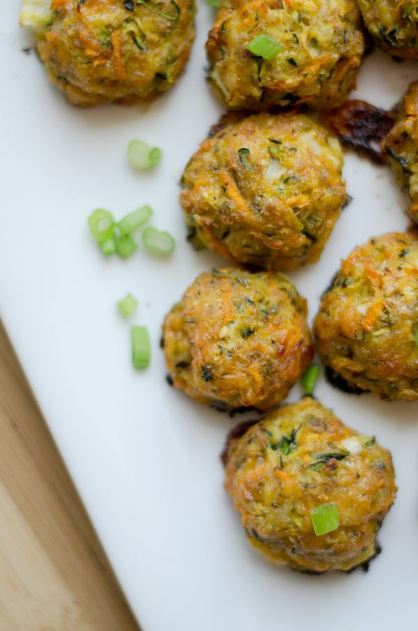 Savory zucchini cheddar cheese bites that are packed with nutrition and flavor! A healthy vegetarian snack or dinner side dish recipe. // Live Eat Learn
