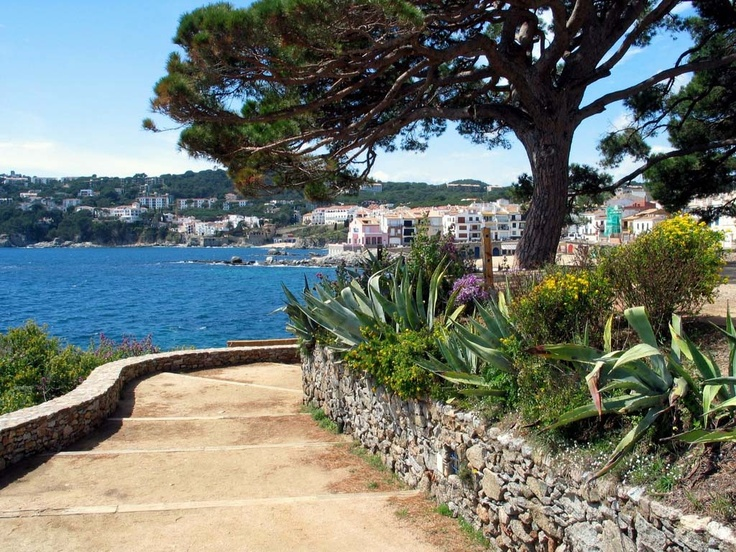 Ronda's Walk ... A fantastic views of Costa Brava. Enjoy!!