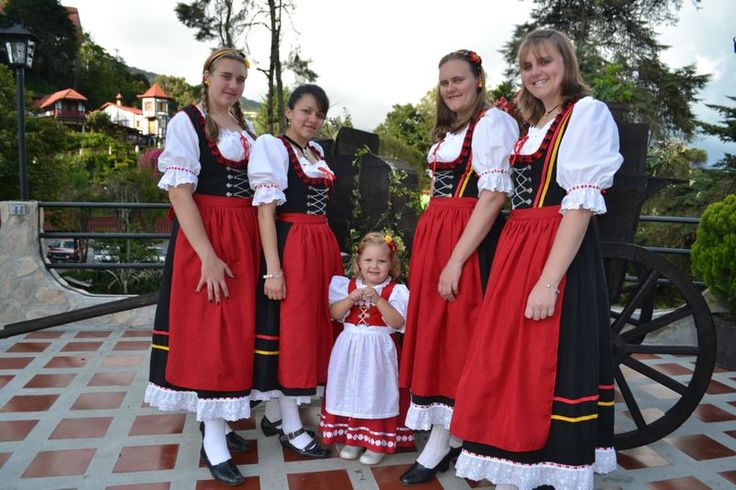 traje tipico de alemania para mujeres - Buscar con Google