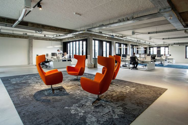 Have a look at these industrial offices furnished by ROHDE & GRAHL, official Sitia partner for ‪#‎Holland‬. ‪#‎Bespoke‬ ‪#‎armchairs‬ and Havana Mini ‪#‎meetingroom‬
